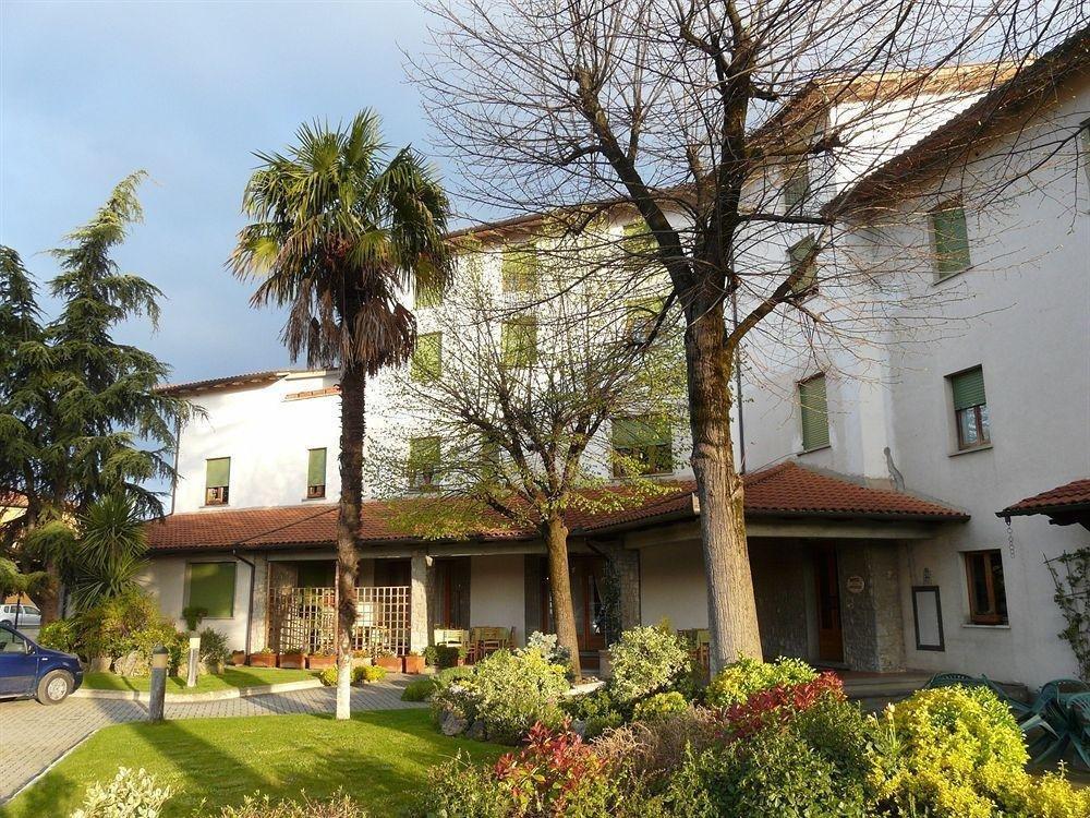 Hotel-La-Piccola-Stazione-Exterior